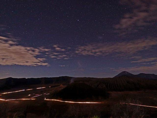 mount bromo midnight tour - Mount Bromo milky way Ijen Crater Tour