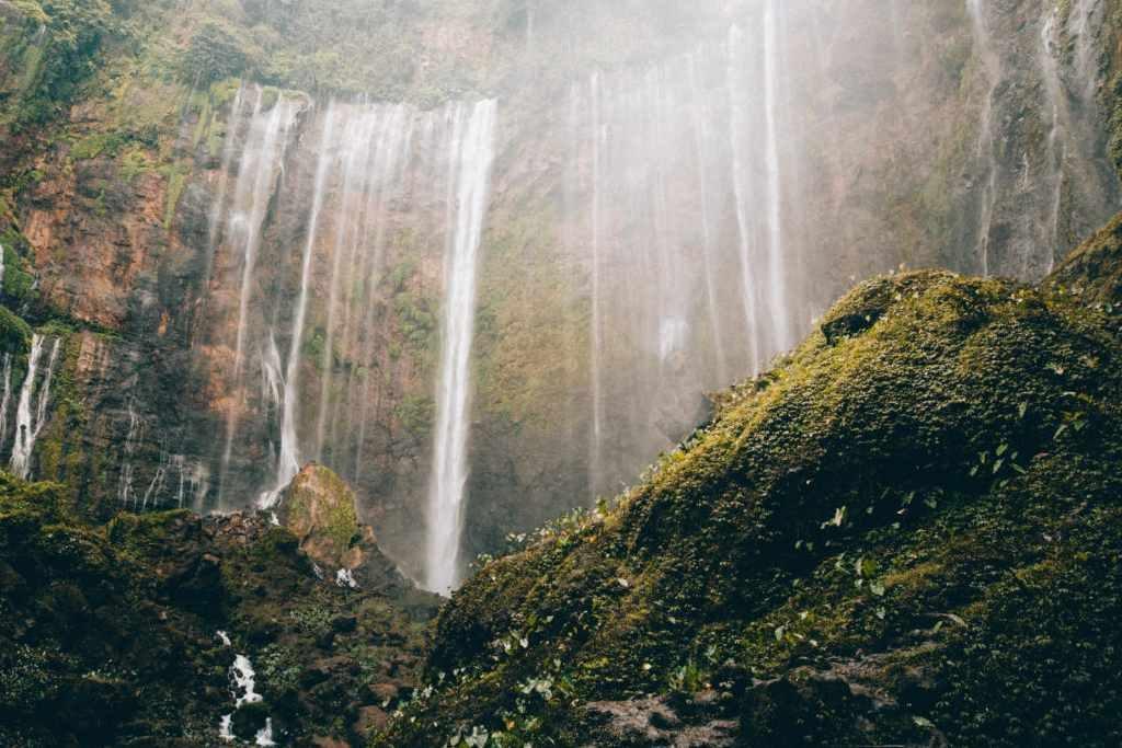 Tumpak Sewu Waterfall Lumajang Malang 1 1024x683 - Tumpak Sewu Waterfall Tour
