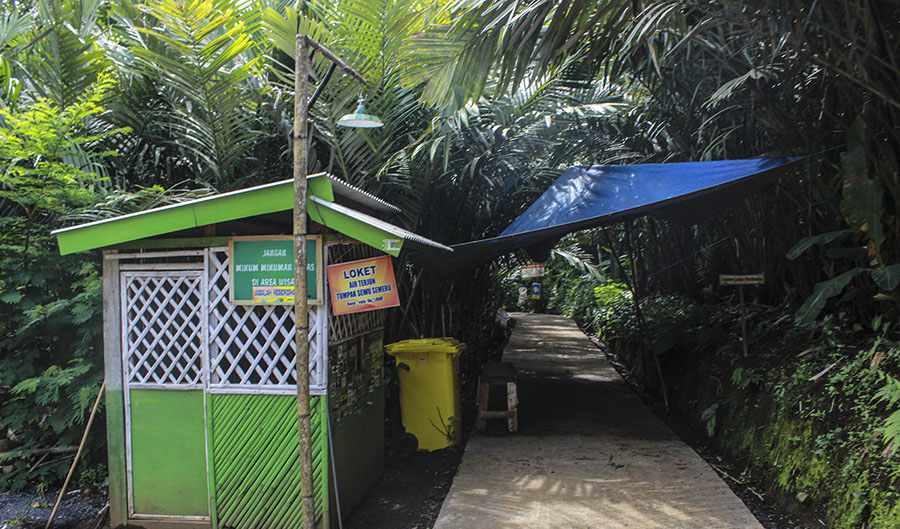 wisata tumpak sewu entrance - Tumpak Sewu Waterfall Tour
