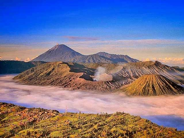 Argowulan Mount Bromo Sunrise Spot Penanjakan Hill Milky Way - Bromo Tour 3 Days