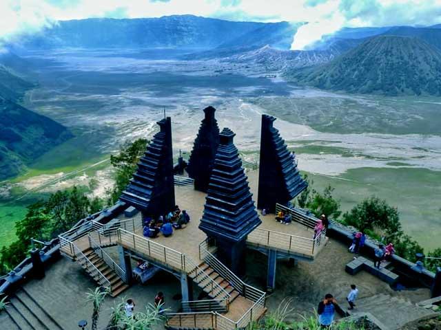 Bukit Mentigen Hill Bromo Sunrsei View Point Tour Packages - Bromo Tour 3 Days