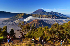 mount bromo sunrise 300x198 - Bromo Ijen Tour 3 Days