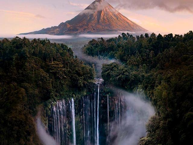 Tumpak Sewu Waterfall Indonesia - Bromo Tour 3 Days